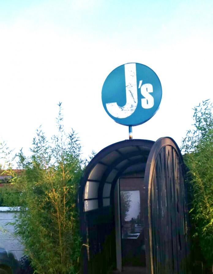Js Fresh Bar and Kitchen