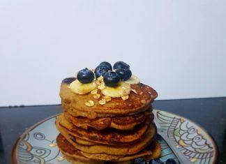 Easy oatmeal banana pancakes