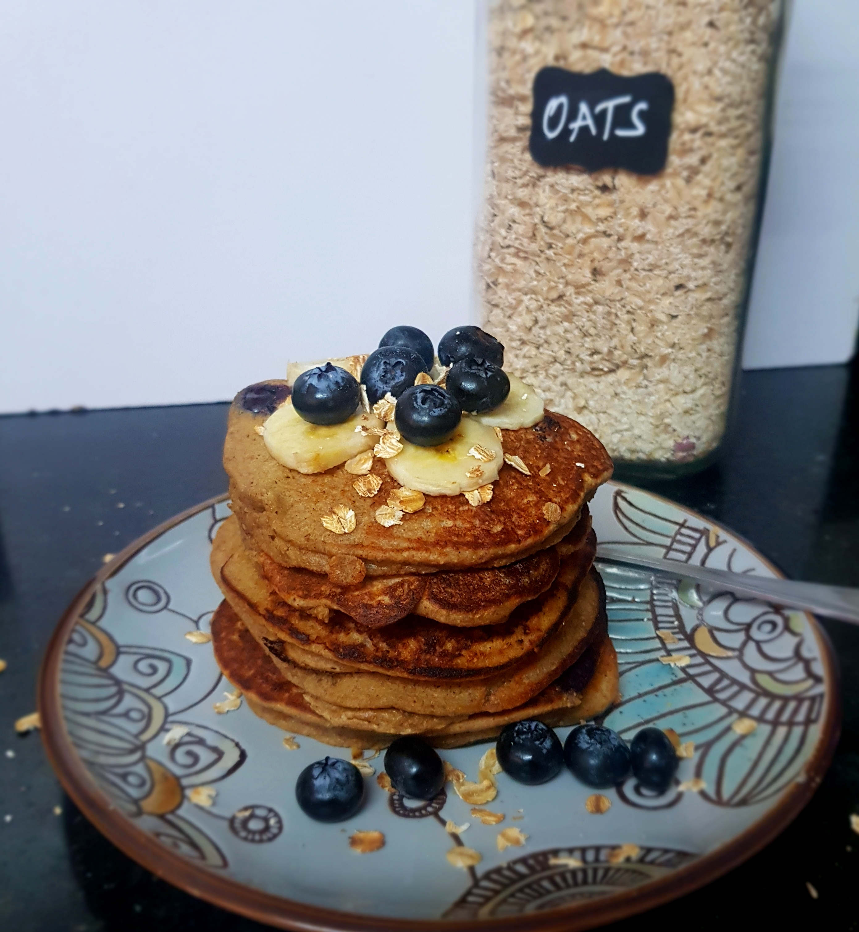 Easy Blueberry Oatmeal Pancakes